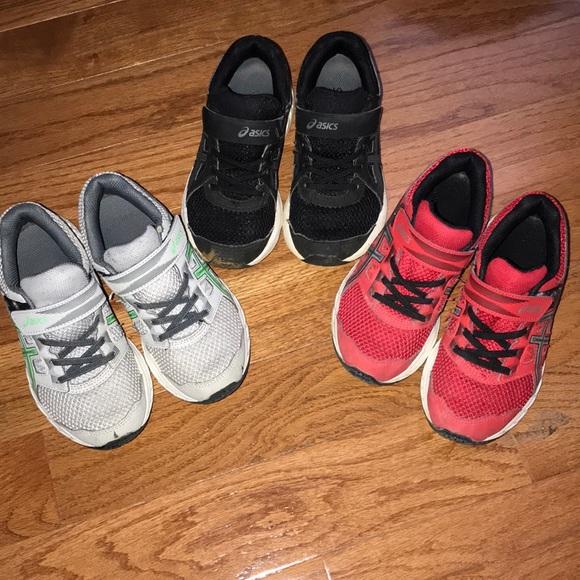 Pair Asics Little Boy Shoes Size